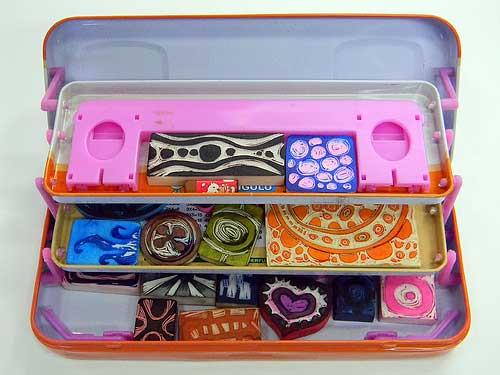 eraser tin case-open