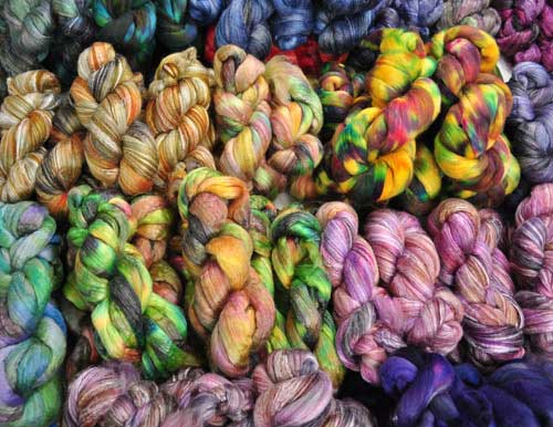 TraciBunkers.com - Lots of new hand-dyed spinning fiber