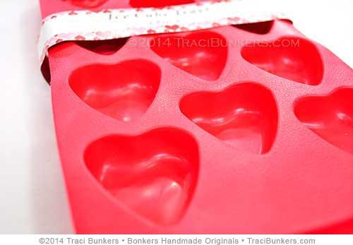 TraciBunkers.com -  heart ice cube tray