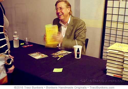 TraciBunkers.com - Thomas Frank book signing
